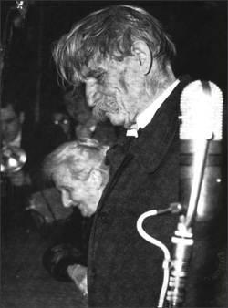 Albert nach dem Empfang des Friedensnobelpreises